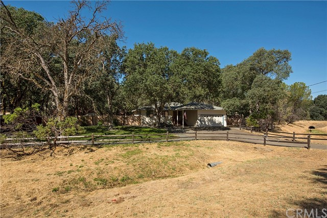 20273 Powder Horn Road, Hidden Valley Lake CA: http://media.crmls.org/medias/4a077d02-70b8-44fe-85ab-a7933d268093.jpg