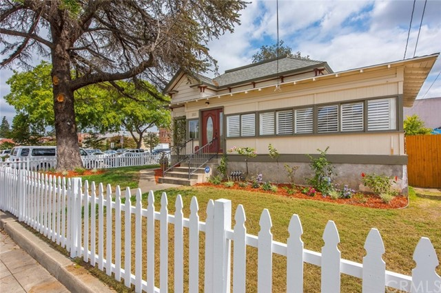 203 S Olive Street Orange, CA 92866 is listed for sale as MLS Listing PW17203941