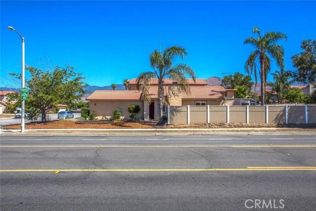 7589 Villa Avenue, Highland CA: http://media.crmls.org/medias/4a105c87-ac49-491f-b4b5-fbe232153ae9.jpg