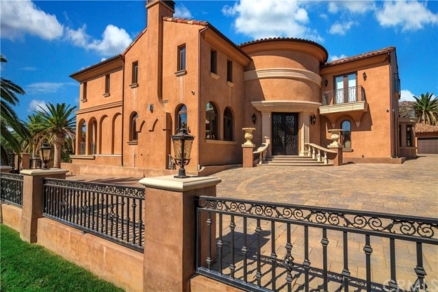 Single Family Home for Sale at 22437 La Quilla Drive Chatsworth, California 91311 United States