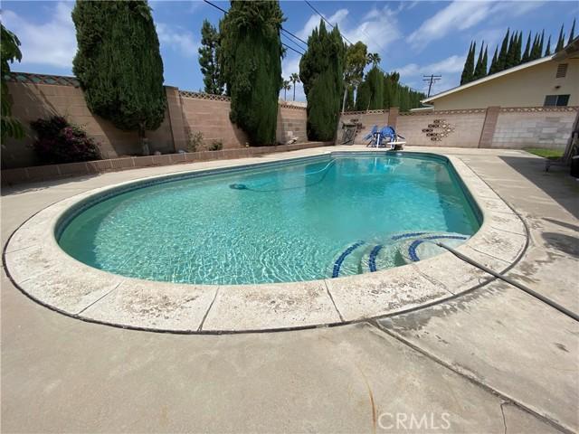 2655 W Sereno Place, Anaheim CA: http://media.crmls.org/medias/4a3ce8e1-a41f-49e6-a66a-a32234616da9.jpg