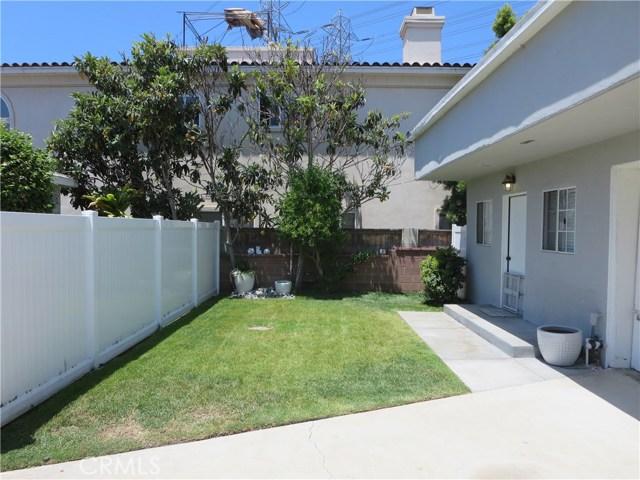 828 N Lucia Avenue, Redondo Beach CA: http://media.crmls.org/medias/4a4ff86e-e95b-49ab-97c5-2f5824dba90e.jpg