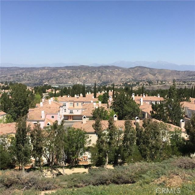 8055 E Sandstone Drive, Anaheim Hills CA: http://media.crmls.org/medias/4a50d303-cfec-4f91-ba9a-920352e39090.jpg