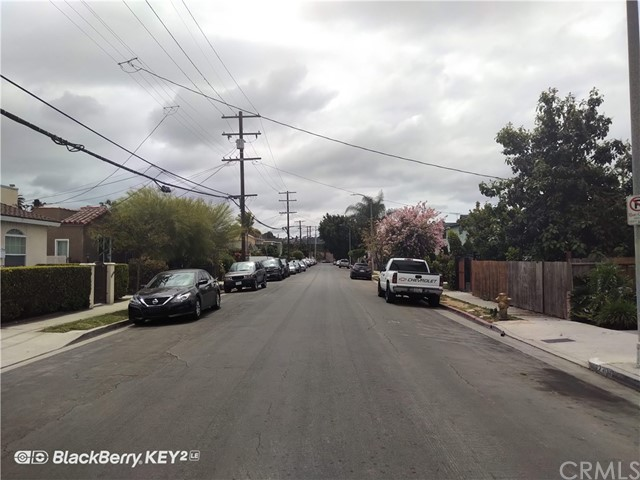 2305 S Burnside Avenue, Los Angeles CA: http://media.crmls.org/medias/4a5efe82-451e-4c64-b002-6b75933d8469.jpg