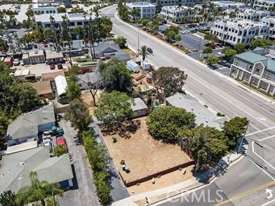 2122 Orchard Drive, Newport Beach CA: http://media.crmls.org/medias/4a6b2de3-862c-45e8-8cf1-cfbe8e34b2cb.jpg