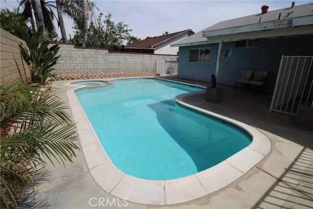 800 San Carlo Avenue, San Bernardino CA: http://media.crmls.org/medias/4a70d025-af9e-4e1c-a09f-045612d6e925.jpg
