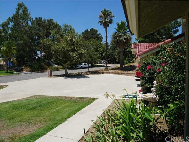 3738 W Meyers Road, San Bernardino CA: http://media.crmls.org/medias/4a776cca-22c4-442f-90e6-2254064d6698.jpg