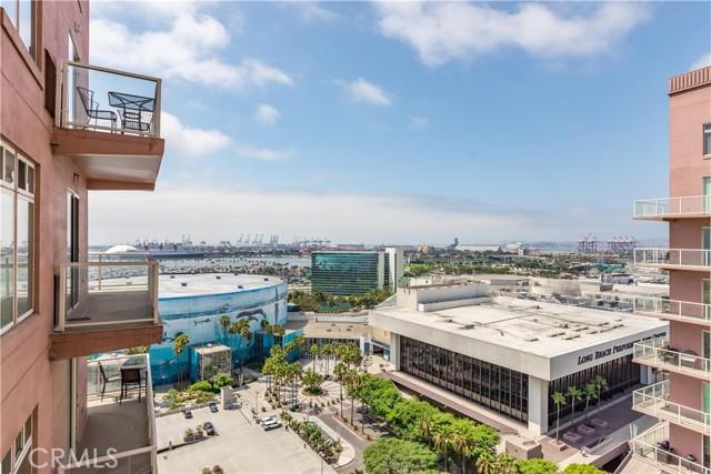 388 E Ocean Boulevard, Long Beach CA: http://media.crmls.org/medias/4a8422ea-0c54-47c6-8fa2-a13460942b3b.jpg