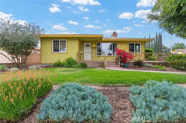 324 W Kendall Street, Corona CA: http://media.crmls.org/medias/4a86b2c6-236e-422f-ac6e-baac1dc867e9.jpg