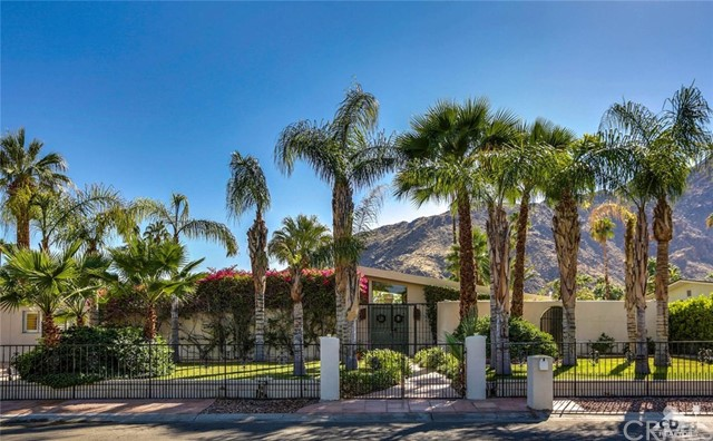 Single Family Home for Sale at 707 Regal Drive 707 Regal Drive Palm Springs, California 92262 United States