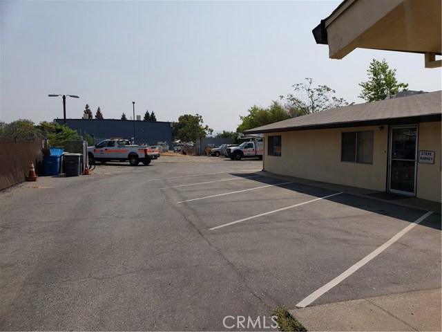 2060 3rd Street, Oroville CA: http://media.crmls.org/medias/4a8c6b16-cf9f-4cb2-8c09-289447456cd3.jpg