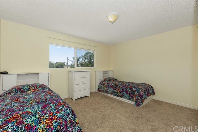 1645 Alston Avenue, Colton CA: http://media.crmls.org/medias/4a9798ae-e4bb-43e1-87be-4a9bb0f31ec7.jpg