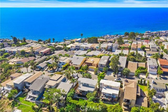 954 Miramar Street, Laguna Beach CA: http://media.crmls.org/medias/4aa60406-4499-4a1b-bcda-1743a0c13f2a.jpg