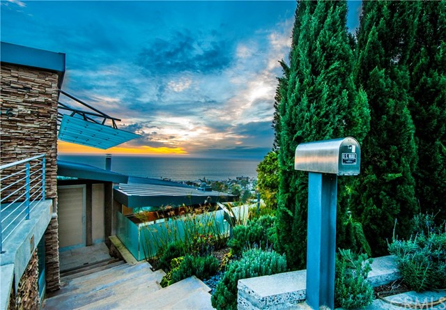 856 Diamond Street, Laguna Beach, CA 92651