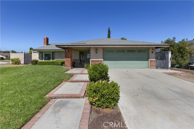 805 Cottonwood Street, Corona CA: http://media.crmls.org/medias/4abf37e2-900d-4045-9fa6-ce19d2f690b7.jpg
