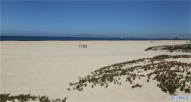 Apartment for Rent at 16825 South Pacific St Sunset Beach, California 90742 United States
