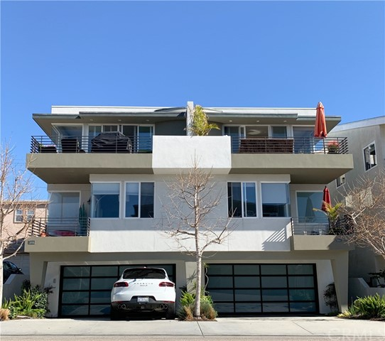900 Manhattan Avenue, Hermosa Beach, California 90254, 4 Bedrooms Bedrooms, ,3 BathroomsBathrooms,Townhouse,For Sale,Manhattan,PV20025894