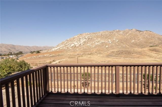 10205 Canyon Vista Road, Moreno Valley CA: http://media.crmls.org/medias/4adde04f-c302-4da6-92df-ea431ec3d774.jpg