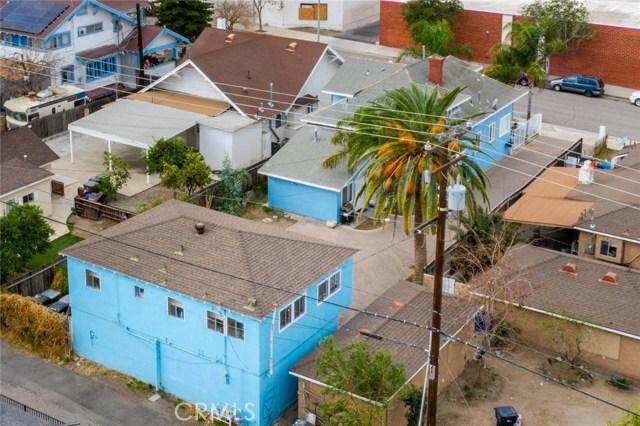 705 Ramona Avenue, Corona CA: http://media.crmls.org/medias/4ae0589c-9857-4d9f-81f7-d1336891b86d.jpg