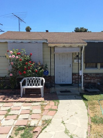 11276   Virginia Avenue   , CA 90262 is listed for sale as MLS Listing DW15152399