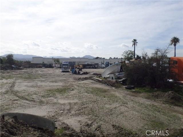 781 E Santa Fe Street, San Bernardino CA: http://media.crmls.org/medias/4afcb44d-8aea-42b1-bc9d-4eced7fb3dc6.jpg