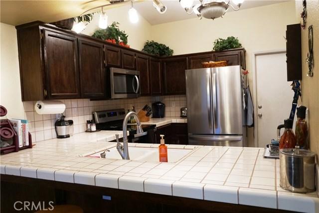 5467 N Delbert Avenue, Fresno CA: http://media.crmls.org/medias/4afe1ca5-c7d8-4ea2-89e0-4866f0958fc3.jpg