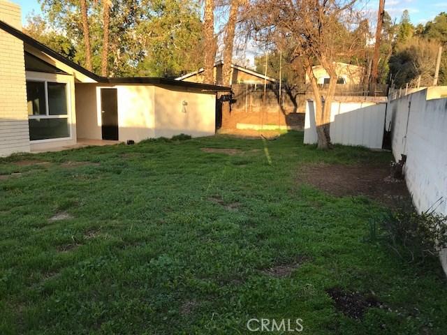 2974 Berkeley Road, Riverside CA: http://media.crmls.org/medias/4b0a9c18-b000-4730-8619-8de83c0e8c97.jpg
