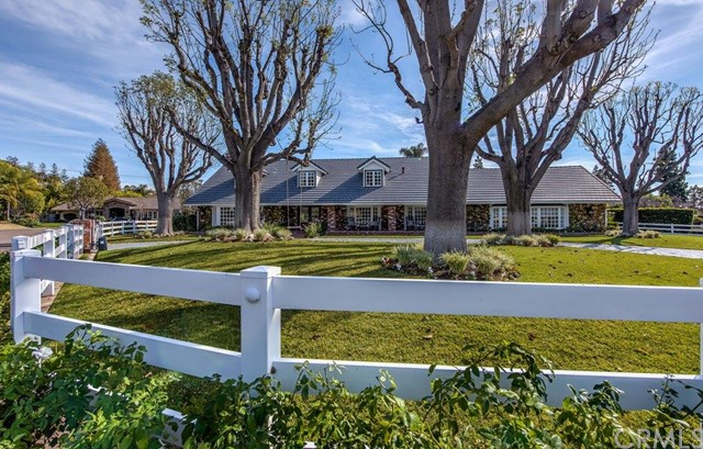 Single Family Home for Sale at 9882 Wildwood St Villa Park, California 92861 United States