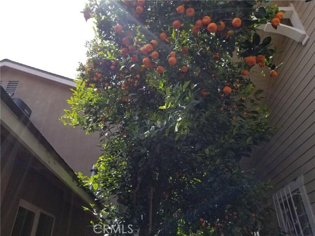 1818 E 10th Street, Long Beach CA: http://media.crmls.org/medias/4b2953ca-b49e-4b8b-846b-8aef409072f2.jpg