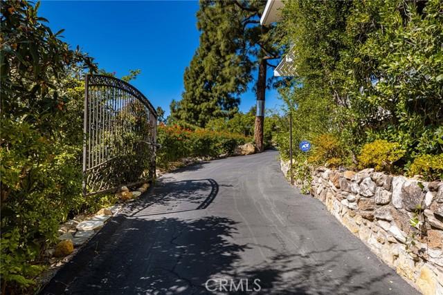 11402 La Vereda Drive, North Tustin CA: http://media.crmls.org/medias/4b2d0492-b0d0-42c4-994e-d39993e156ac.jpg