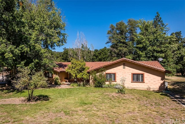 8200 Graves Creek Road, Atascadero, CA 93422