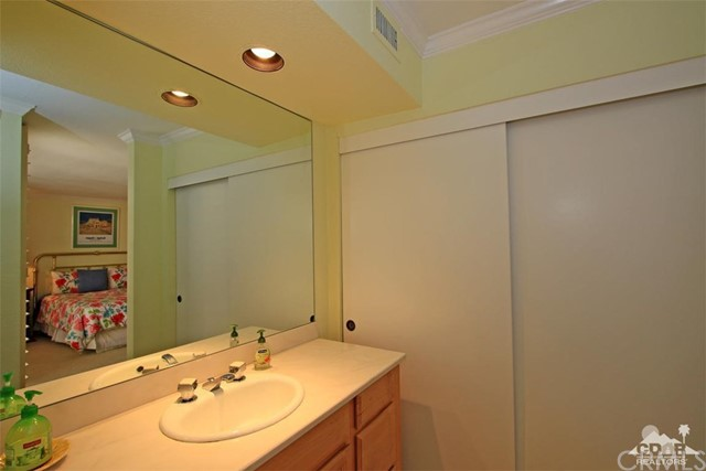 45878 Algonquin Circle, Indian Wells CA: http://media.crmls.org/medias/4b5b1763-bc62-46b8-a374-41080b2d0809.jpg