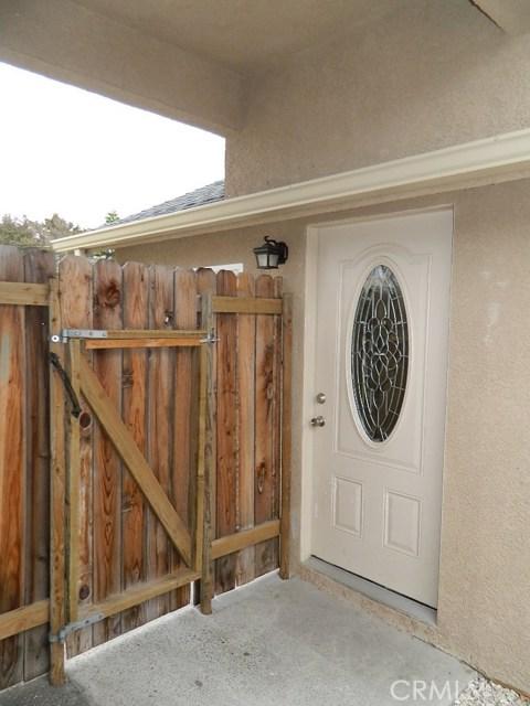 694 & 640 Trouville S Avenue, Grover Beach CA: http://media.crmls.org/medias/4b60b8a6-f389-4bd1-adde-448500564b1d.jpg