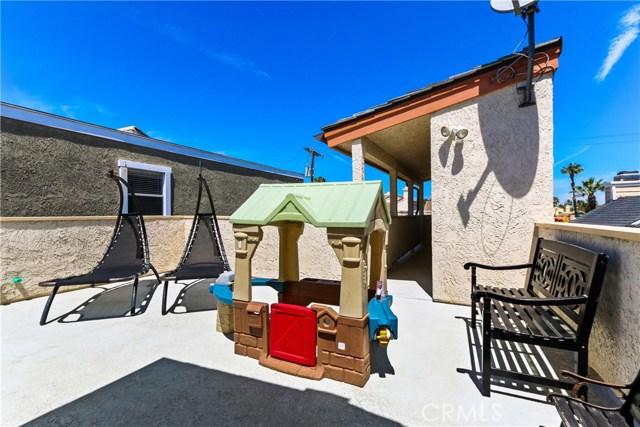 315 21st Street, Huntington Beach CA: http://media.crmls.org/medias/4b60b900-9c05-4d5b-b07a-7a47efaa9797.jpg