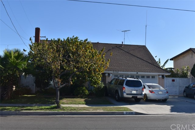 21308 Moneta Avenue, Carson, California 90745, 5 Bedrooms Bedrooms, ,3 BathroomsBathrooms,Single family residence,For Sale,Moneta,DW21015143