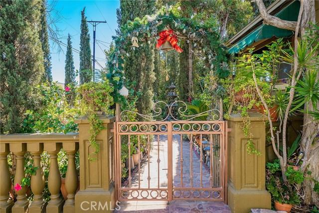 10871 Olinda Street, Sun Valley CA: http://media.crmls.org/medias/4b772885-f684-4f0f-8706-3a358a1e96e8.jpg