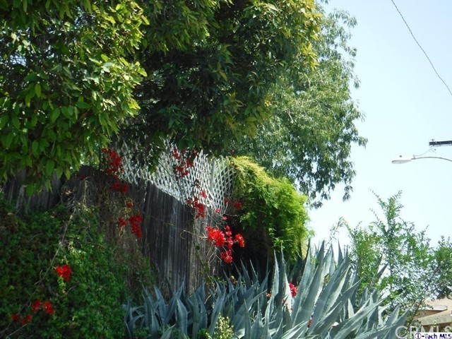 1807 Seigneur Ave Av, Los Angeles, CA 90032 Photo 3