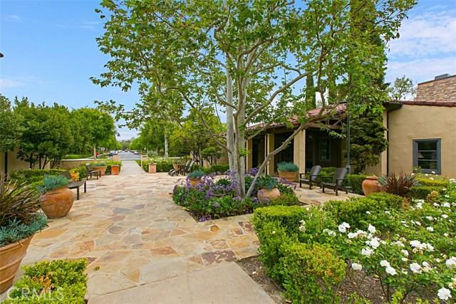 62 Crabapple, Irvine CA: http://media.crmls.org/medias/4b94e3f8-6238-4451-835a-a53adac91eee.jpg