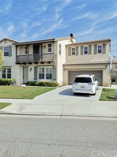 6631 French Trotter Drive, Eastvale CA: http://media.crmls.org/medias/4b9570d8-01f6-49c3-8903-71eb487303f8.jpg
