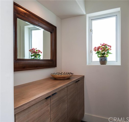 Additional photo for property listing at Beautiful Coastal Modern Home 1820 John Street Manhattan Beach, Kalifornien,90266 Vereinigte Staaten
