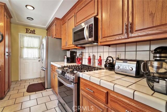 3716 Allred Street, Lakewood CA: http://media.crmls.org/medias/4b99d68d-3157-4a9e-9d14-eac824aefeb2.jpg