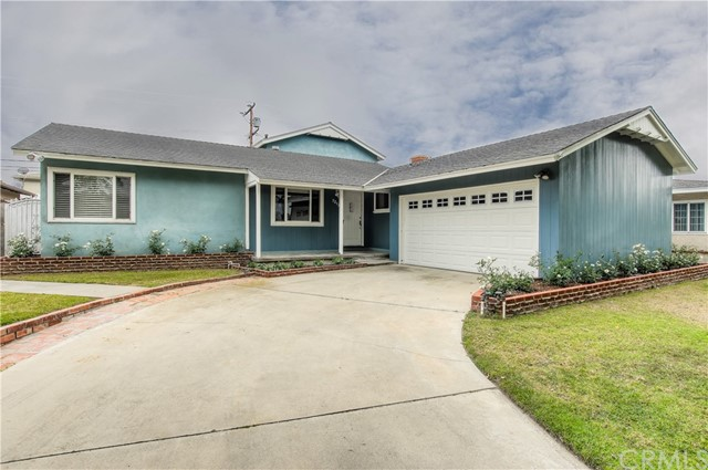 7212 W 88th Place, Los Angeles CA 90045