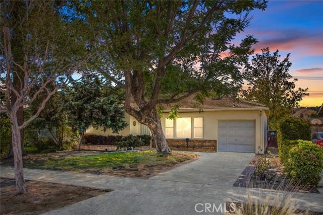3636 N Arrowhead Avenue, San Bernardino CA: http://media.crmls.org/medias/4bb38164-68e9-47db-8779-b7828ded2cdb.jpg