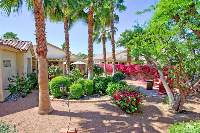 78936 Spirito Court, Palm Desert CA: http://media.crmls.org/medias/4bbaea9f-c640-470f-bc8f-7e0b04214887.jpg