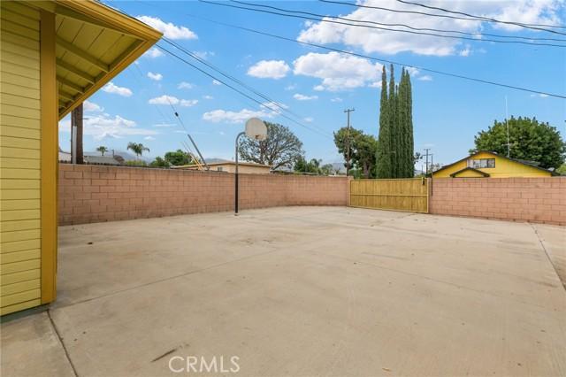 324 W Kendall Street, Corona CA: http://media.crmls.org/medias/4bc4ed9e-d5c5-4211-84d2-ccca13492914.jpg