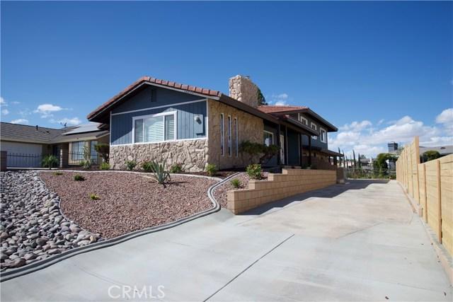17850 Rancho Bonita, Victorville CA: http://media.crmls.org/medias/4bcc1d52-1b8c-48e3-899c-d1003d31bb17.jpg