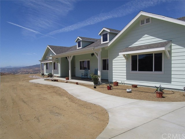 Detail Gallery Image 1 of 30 For 35101 Penman Rd, Agua Dulce, CA 91390 - 4 Beds   3 Baths