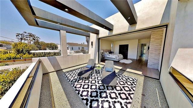 607 N Curson Avenue, Los Angeles CA: http://media.crmls.org/medias/4bd0858c-dd51-47de-a855-f20aab947dde.jpg