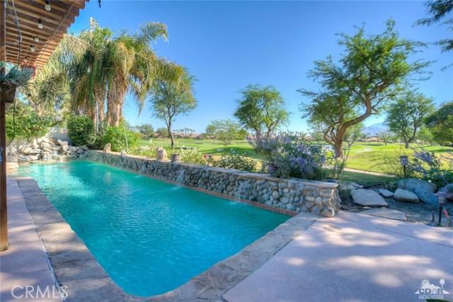 54015 Southern Hills, La Quinta CA: http://media.crmls.org/medias/4bd1ddbe-9b02-4589-9273-33e39510c45e.jpg