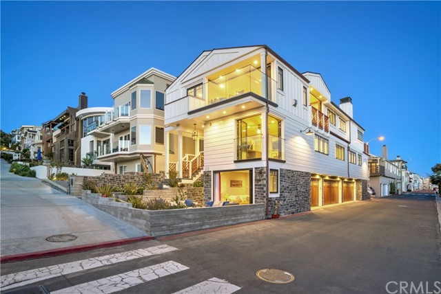 Single Family Home for Sale at 112 18th Street Manhattan Beach, California 90266 United States